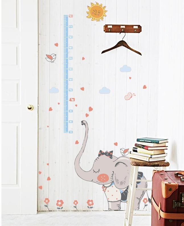 """สติ๊กเกอร์ติดผนังพีวีซีเนื้อใส ที่วัดส่วนสูง """"ที่วัดส่วนสูง Cute Gray Elephant"""" สเกลเริ่มต้น 70 cm ถึง 180 cm"""