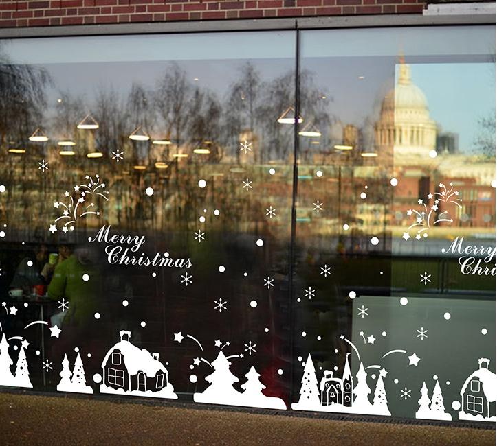"""สติ๊กเกอร์ตกแต่งเทศกาลคริสต์มาส """"Christmas Town II"""" ความสูง 67 cm ยาว 161 cm"""
