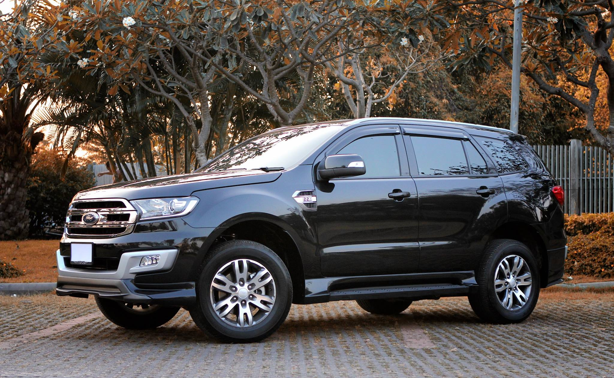 FORD EVEREST F7