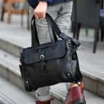 กระเป๋าสะพายนักธุรกิจชาย