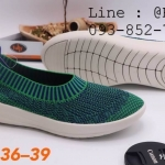 Fully รองเท้าผ้ายืด แบบสวม สีเขียว