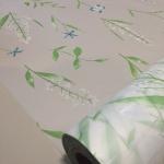 """สติ๊กเกอร์ติดกระจกแบบมีกาวในตัว """"Green and White Leaf"""" หน้ากว้าง 90 cm ตัดแบ่งขายเมตรละ 179 บาท (ขั้นต่ำ 3m)"""
