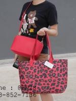 กระเป๋าโท้ท หนังลายเสือ มี 3 สี ใช้ได้ 2 ด้าน 13 นิ้ว ฟรีใบเล็ก สีแดง