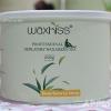 Strip wax กลิ่นชาเขียว (แว๊กซ์ร้อน แบบใช้ผ้าดึง) แบรนด์ WAXKISS กระป๋อง 400 กรัม