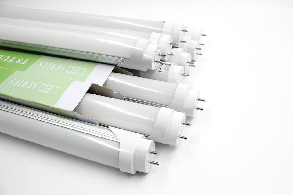 LED-T8 18W 220V 1200mm (SVC)